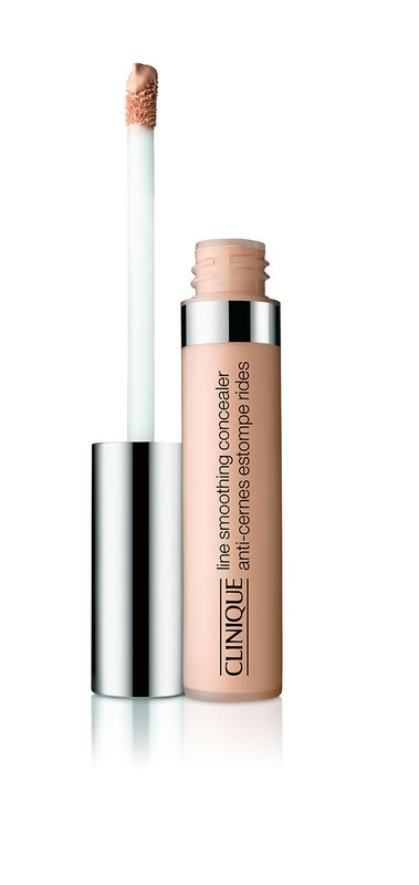 Clinique - Line Smoothing Concealer -